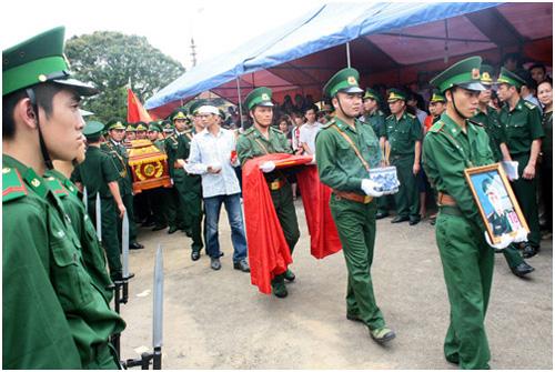 Lễ truy điệu thiếu tá Nguyễn Minh Đãi. Ảnh:Bá Đô.